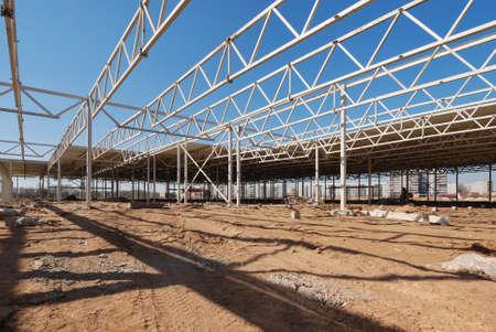 perspectiva lineal: Obra de construcci�n de centro comercial Foto de archivo