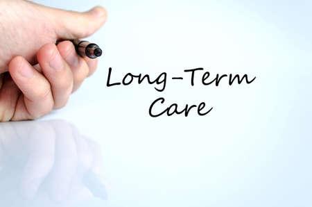 pflegeversicherung: Langzeitpflege-Text-Konzept isoliert �ber wei�em Hintergrund