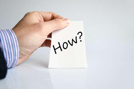 point d interrogation: Comment le concept de texte isolé sur fond blanc