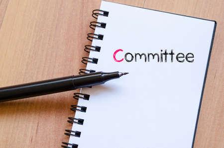 comité d entreprise: texte Comité notion écrire sur ordinateur portable