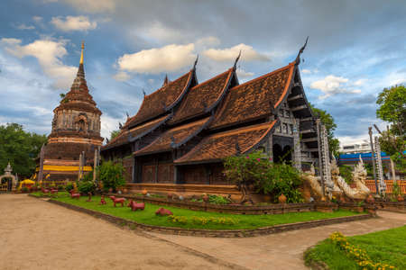 molee: Wat Lok Molee at sunset, one of the oldest temples in Chiang Mai, Thailand