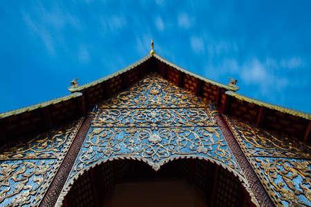 Wat Chiang Man ночью, самый старый храм в Чиангмае, Таиланд.