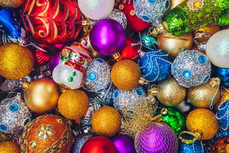 Фон с красочными праздничными украшениями