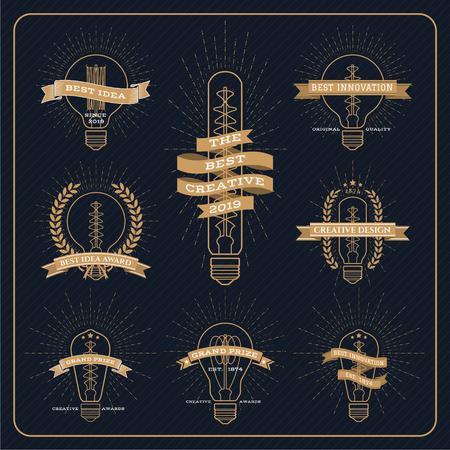 bombilla: Creativa e idea etiqueta premio bombilla de la vendimia con los rayos estalló en el fondo rayas oscuras