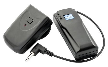 トリガー: 無線トリガー (受信機と送信機)、白で隔離されます。 写真素材