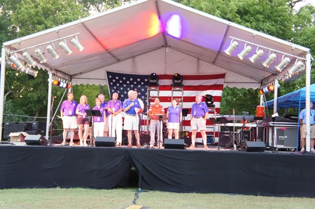 sugar land: Houston, Texas - MOnday 4th July 2011 : Sugar Land residents get fired up for the City%u2019s 26th annual Red, White and Bluefest ready to set the skies ablaze of Oyster Creek Park on Monday, July 4th from 5 to 10 p.m to celebrate America%u2019s 235th bir