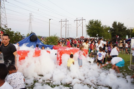 sugar land:  Houston, Texas - Monday 4th July 2011 : Sugar Land residents get fired up for the City%u2019s 26th annual Red, White and Bluefest ready to set the skies ablaze of Oyster Creek Park on Monday, July 4th from 5 to 10 p.m to celebrate America%u2019s 235th bi