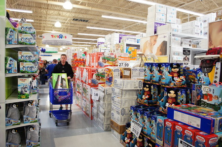 Houston, Texas - Nov 23 2012   TOYSRUS® TO KICK OFF ITS BIGGEST BLACK FRIDAY EVENT AT 8PM ON THANKSGIVING NIGHT WITH MORE THAN 200 INCREDIBLE DOORBUSTERS