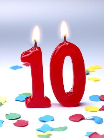 10을 보여주는 생일 촛불