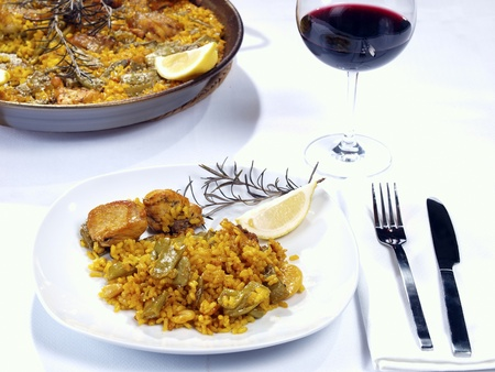 spanish culture: Paella.  Traditional Valencian Dish.