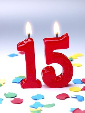 candeline compleanno: Candele di compleanno mostrando Nr. 15