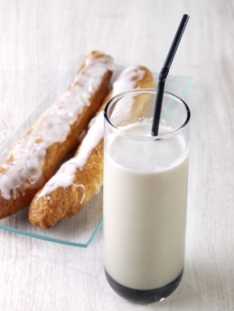 Horchata is a drink, made with the juice of tiger nuts and sugar   Native from Valencia � Spain, it is a refreshing drink, often accompanied with long thin buns called �fartons�