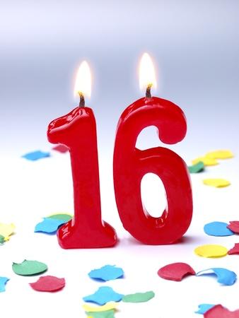 geburtstagskerzen: Geburtstagskerzen zeigt Nr. 16