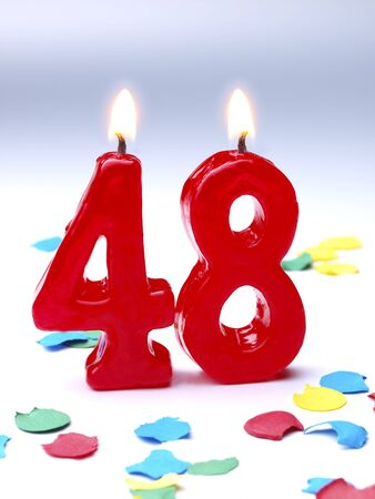 geburtstagskerzen: Geburtstagskerzen zeigt Nr. 48 Lizenzfreie Bilder