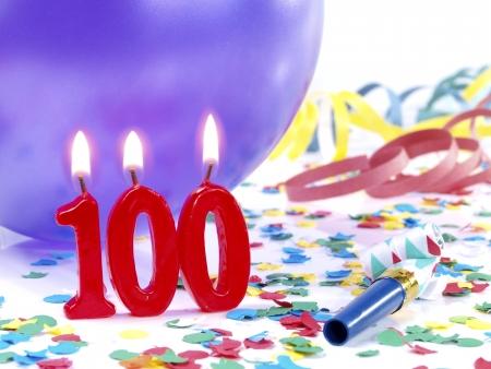 candeline compleanno: Candele di compleanno mostrando Nr 100 Archivio Fotografico