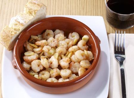 gambas: Gambas al ajillo � Fried shrimps with garlic