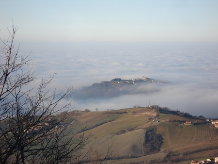 boundless: Boundless fog looks like the sea  The view from San Marino