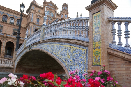 moresque: The beautiful bridge located on the Square of Spain in Seville