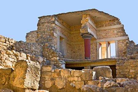 antigua grecia: El antiguo complejo de palacio de Knossos se encuentra el famoso sitio arqueológico en Creta, Grecia. Foto de archivo