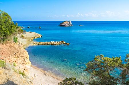 afrodita: Los ba�os de Afrodita es el famoso destino tur�stico, Chipre. Foto de archivo