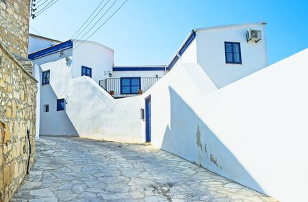 maroni: Traditionally the numerous residential houses in Cyprus are white, Maroni village.