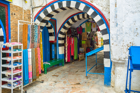 traditional goods: The old town is the best place for make some shopping, the re are many traditional goods and local souvenirs here in Hammamet, Tunisia.