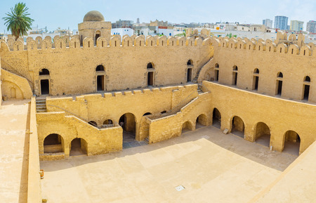The fortress of Ribat is well preserved ancient landmark of Sousse, that is very popular among tourists, Tunisia. Banco de Imagens - 46710791