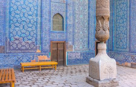 harem: KHIVA, UZBEKISTAN, MAY 3, 2015: The walls in harem courtyard of Tosh Hovli (or Tash Hauli) Palace decorated with beautiful islamic ornaments on glazed tile, on May 3 in Khiva. Editorial