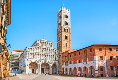 campanille: LUCCA, ITALY - APRIL 30, 2013: The Cathedral of St Martin is the seat of the Archbishop of Lucca and the main city landmark, on April 30 in Lucca. Editorial