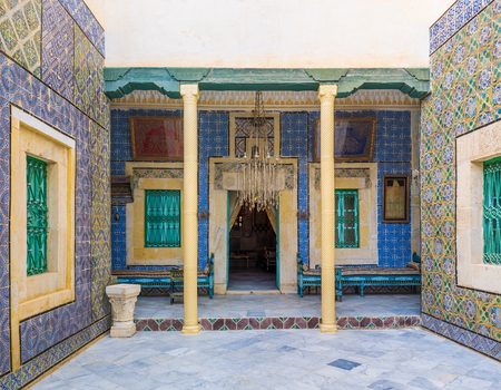 sirvientes: SOUSSE, TUNISIA - SEPTEMBER 3, 2015: The courtyard of Dar Essid mansion separating the house on men and women half and the rooms of servants, on September 3 in Sousse.