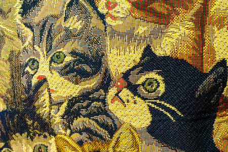 rug weaving: The cute kittens are the best choice for the pattern on canvas.
