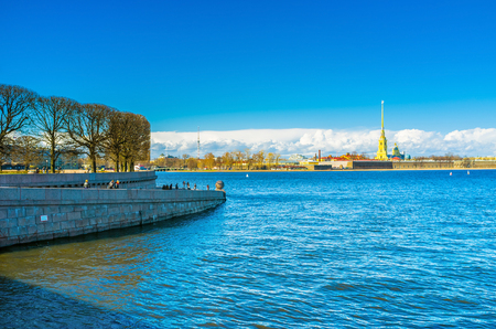 peterburg: SAINT PETERSBURG - APRIL 24, 2015: The beautiful view on the Peter and Paul Fortress and the tip of the Spit of Vasilievsky Island, on April 24 in Saint Petersburg. Editorial