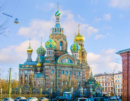 SAINT PETERSBURG - APRIL 24, 2015: The colorful decorated Church of the Savior on Blood looks like a building from fairy tail, on April 24 in Saint Petersburg. Publikacyjne