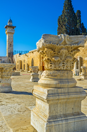 israel jerusalem: The visiting of the Temple Mount is the best way to discover the ancient ruins, enjoy the beauty of Islamic art and architecture, Jerusalem, Israel.