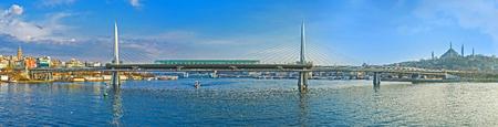 fatih: Panorama of the Metro Bridge, connecting the Beyoglu and Fatih districts, Istanbul, Turkey.