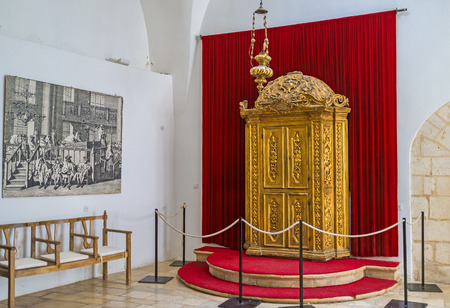 synagogues: JERUSALEM, ISRAEL - FEBRUARY 18, 2016: The carved wooden Torah Ark, covered with gilt in Istanbuli Synagogue, Four Sephardic Synagogues complex, on February 18 in Jerusalem. Editorial