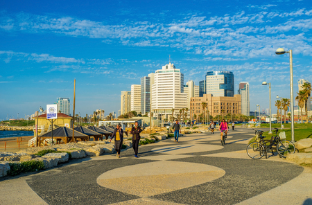 alma: TEL AVIV, ISRAEL - FEBBRUARY 25, 2016: The scenic promenade along the Charles Clore Park connects the old Jaffa with modern city districts, on February 25 in  Tel Aviv.