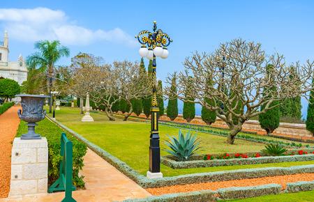 bahai: The Bahai Garden boasts beautiful park sculptures and old style streetlights along the alleys, Haifa, Israel.