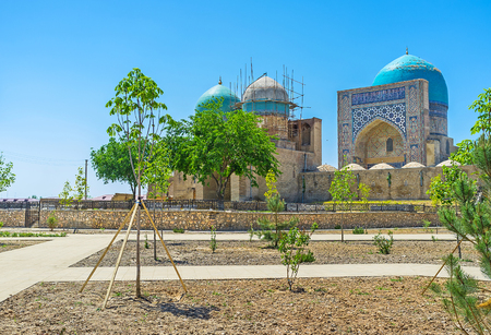 sufi: The medieval religious complex of Dorut Tilavat with the bright blue dome of the Cathedral Kok Gumbaz Mosque, Shakhrisabz, Uzbekistan.