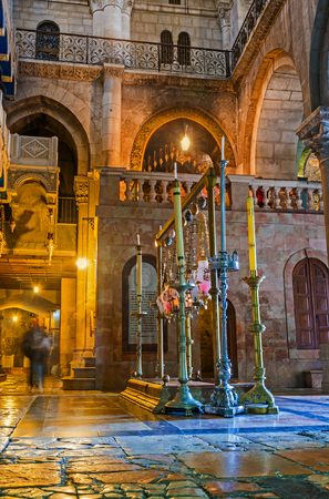 JERUSALEM, ISRAEL - FEBRUARY 16, 2016: The side view on the Stone of Anointing and the way to Rotunda in the Church of the Holy Sepulchre, on February 16 in Jerusalem. Redakční