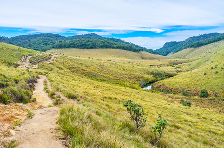 plains indian: The low season is the best time to by alone with nature in Horton Plains, Sri Lanka