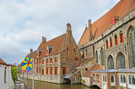 memling: The medieval stepped gables of Saint John's Hospital, one of the oldest hospital buidings in Europe, located at the Groenerei (Green Canal), Bruges, Belgium. Stock Photo