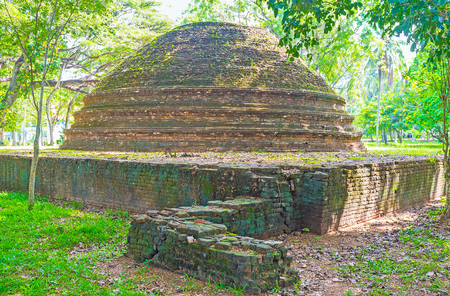 vihara: The ruins of the ancient Stupa in park of Panduwasnuwara Archaeological  Museum, Sri Lanka.