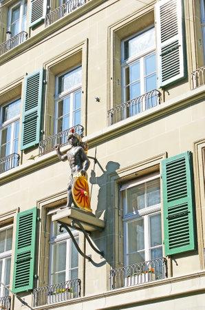 guild: The old Moor statue decorates the Clothworker Guild building in Kramgasse street, Bern, Switzerland. Editorial