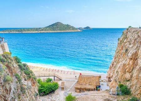 Kaputas 해변은 터키 리비에라, Kalkan, 터키에서 가장 사랑받는 해변 중 하나입니다. 스톡 콘텐츠