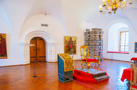 stateroom: SUZDAL, RUSSIA - JULY 1, 2013: Museum in Kremlin includes historic Archbishops Chambers, those are open for the visitors, such as the Cross Chamber, on July 1 in Suzdal.
