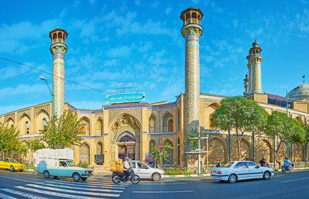 テヘラン, イラン-10 月 11, 2017: テヘランで10月11日に多数のミナレット、刻まれた入り口ポータルと豊かなタイル張りの装飾を持つシャヒード Motahari & 報道画像