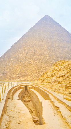 The unusual archaeological discovery in form of the long stone boat pit in Giza Necropolis next to the Great Pyramid, Egypt Stock Photo