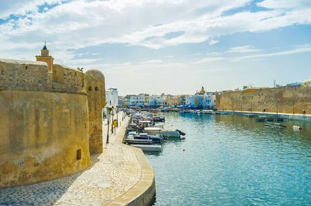Explore old town of Bizerte, located around the port and famous for preserved citadels (Kasbah and Ksiba), medieval Arab Medina and historical mansions, Tunisia Stockfoto