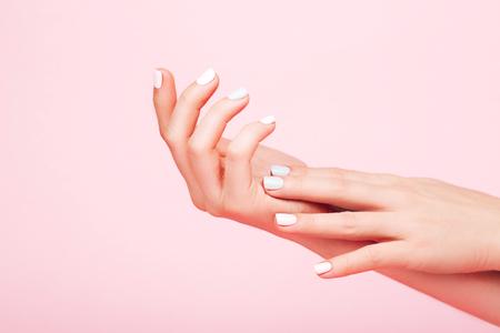 Dłonie z doskonałym manicure